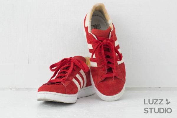 白ホリゾントで撮影した靴の写真10