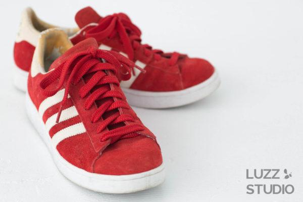 白ホリゾントで撮影した靴の写真11