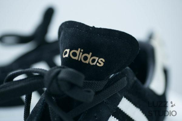 白ホリゾントで撮影した靴の写真3