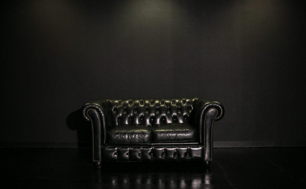 大阪撮影スタジオの黒ホリゾント(黒い部屋)
