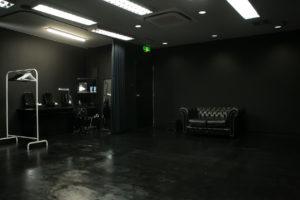 黒ホリゾント(黒い部屋)の室内写真3