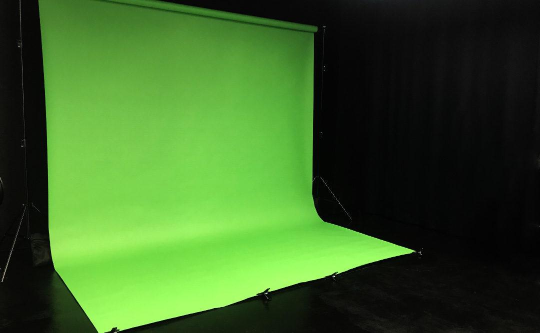 大阪撮影スタジオのクロマキー撮影